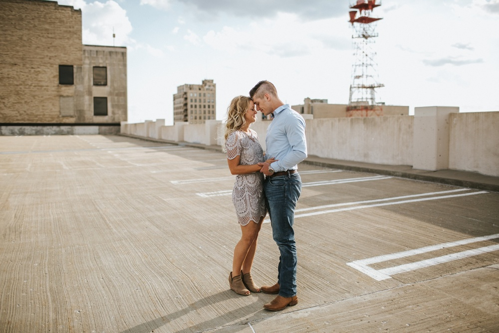Rockford Illinois Engagement Session _ Nicole Lender Weddings_0002.jpg