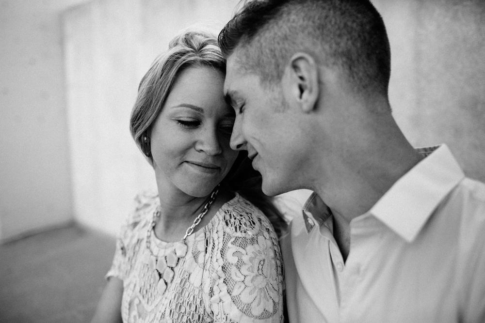 Rockford Illinois Engagement Session _ Nicole Lender Weddings_0005.jpg