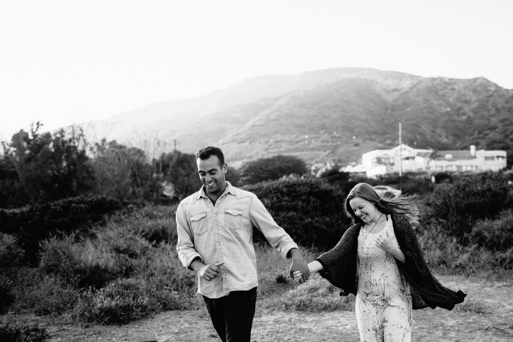 Malibu California Engagement Session_Nicole Lender Weddings_0016.jpg