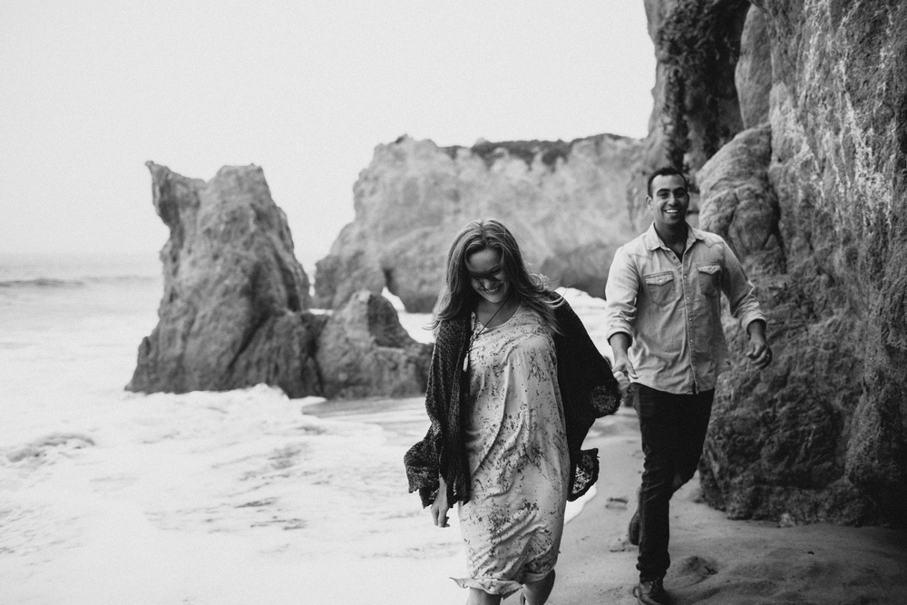 Malibu California Engagement Session_Nicole Lender Weddings_0032.jpg