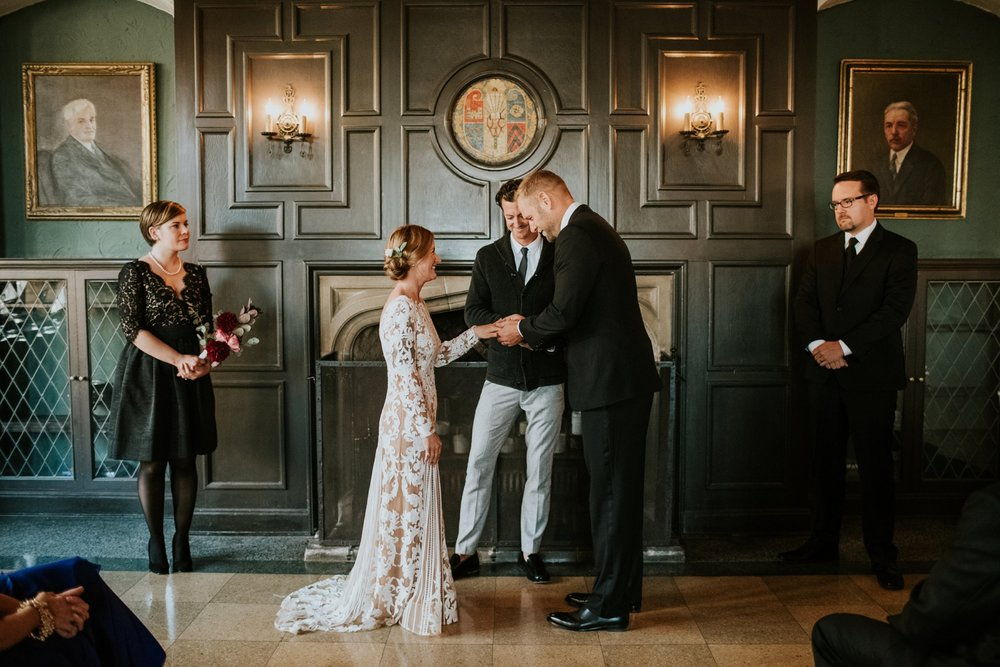 University Club Madison Wisconsin Intimate Wedding_Ellie Cole_0024.jpg