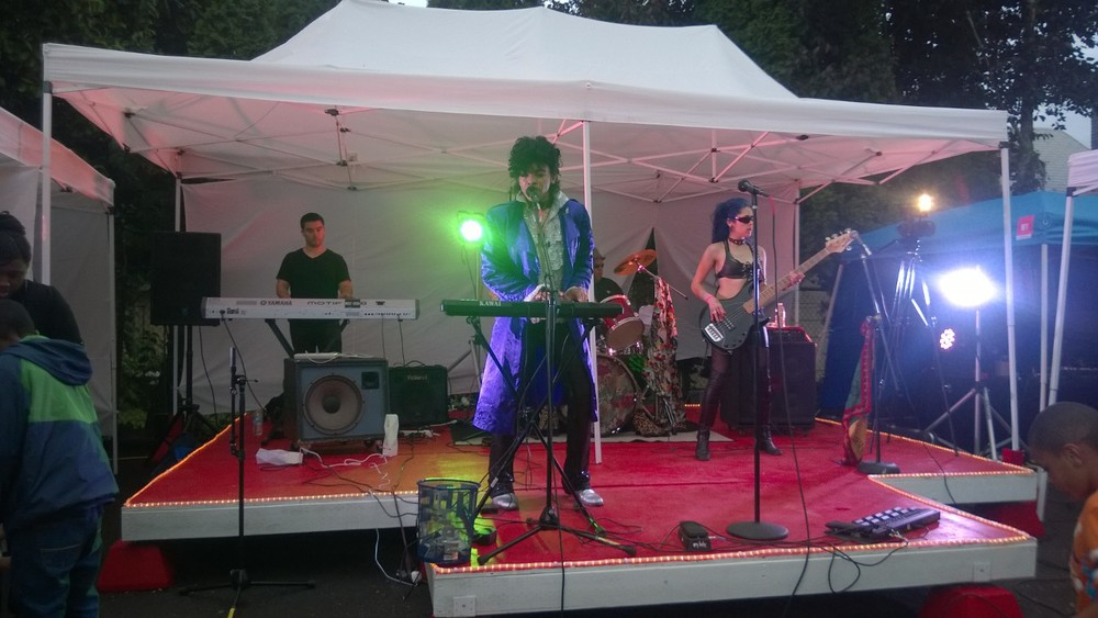 The lead had the perfect look for this Prince cover band!