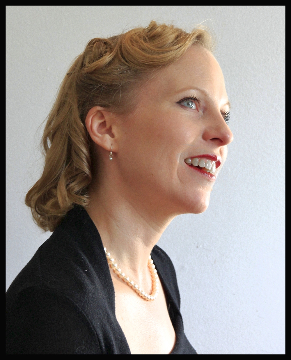 Anna Marie Sell Cabaret.jpg