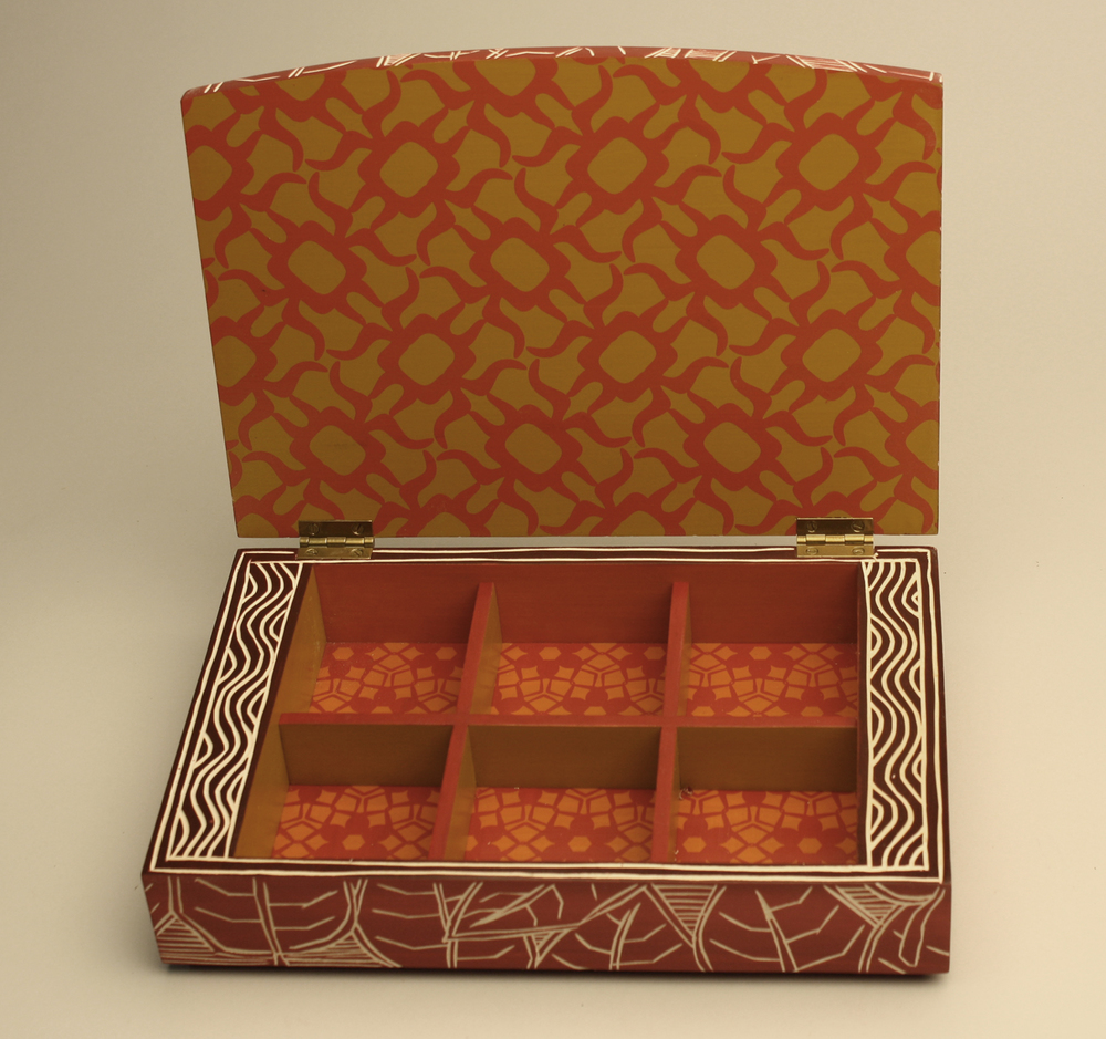Red Leaf Tea Box