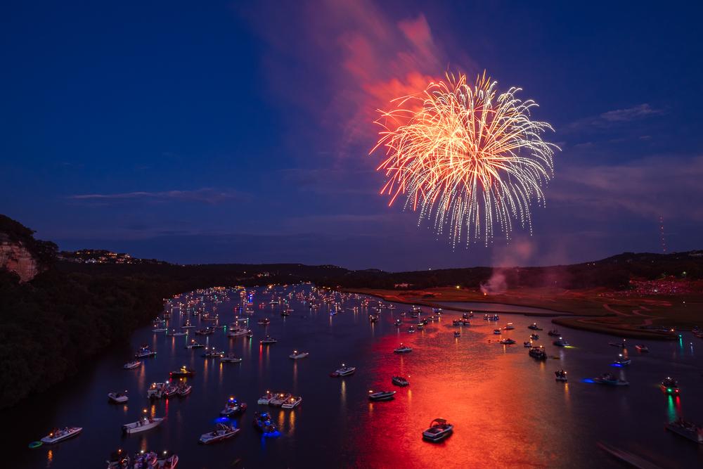 austin_fireworks_2014_12.jpg