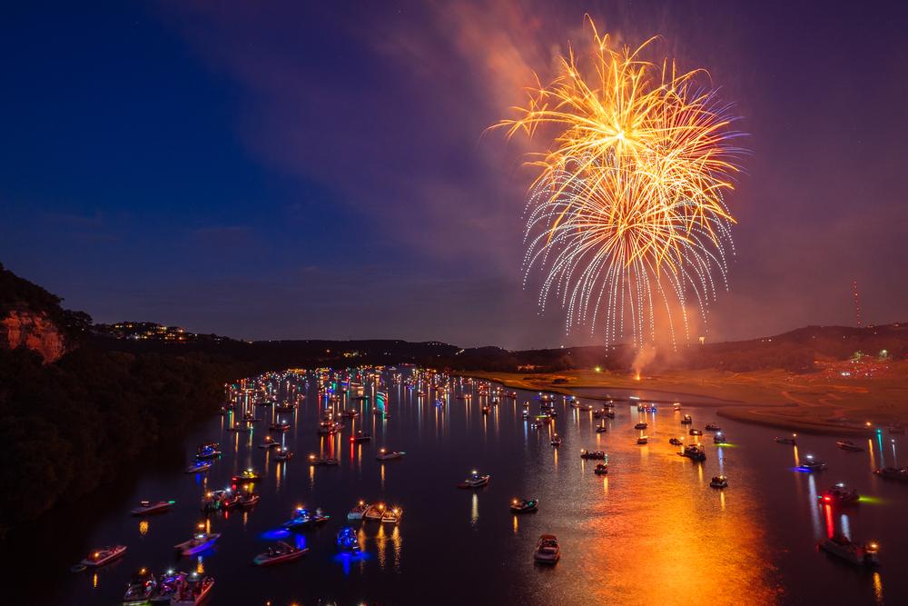 austin_fireworks_2014_5.jpg