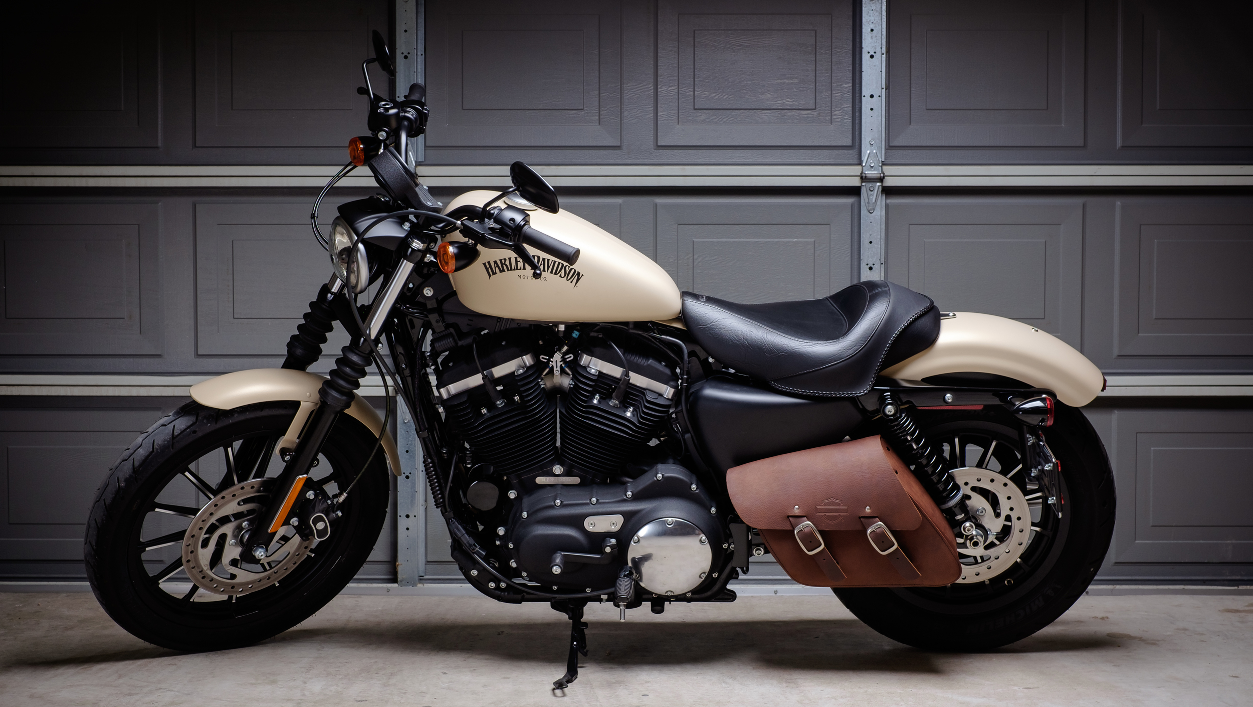 Sportster Iron 8833 Comments A Move To The Dark Side