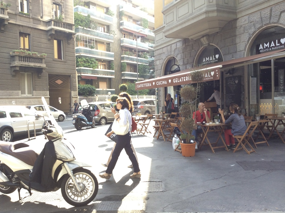 One of my favourite pictures. Ice cream, vespa, friends, coffee and shopping. All the best parts of Milan.