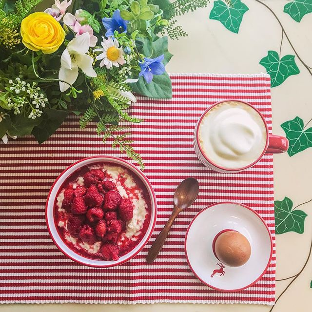 Reminding myself that it is in fact spring💐🦌💛 #spring #frühling #basicbitch #breakfast #prettybreakfast #gmundnerkeramik #gmundnerkeramikfotochallenge #frühstück