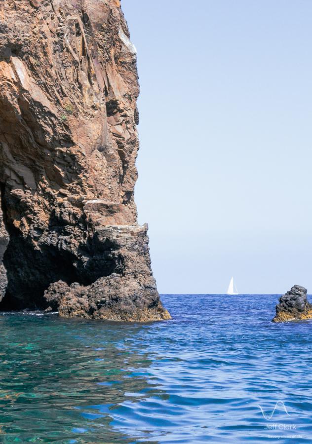 Boat_on_the_Horizon.jpg
