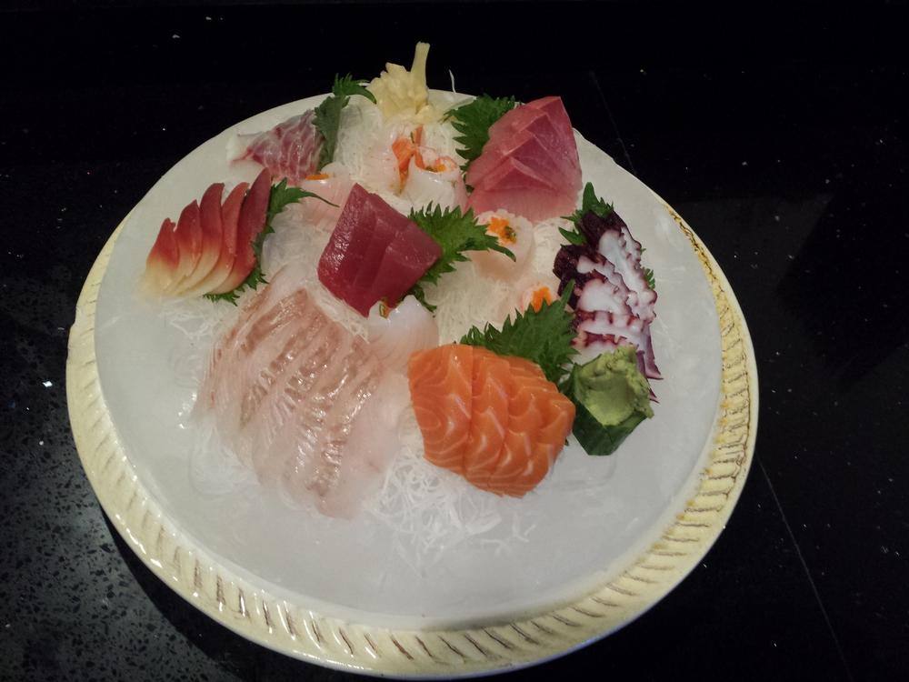 sashimi combo....jpg