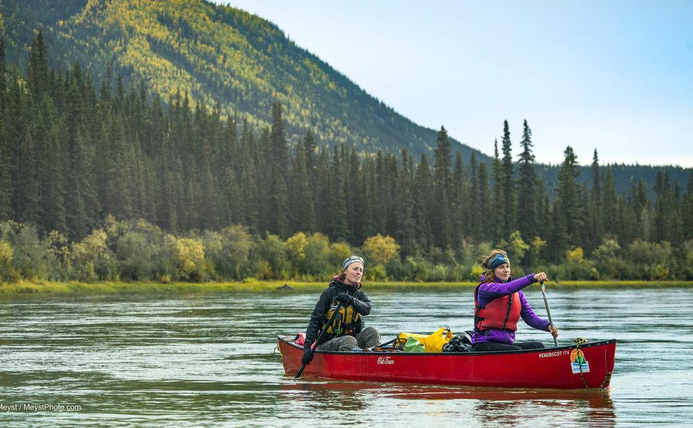 Naturetoursyukon-canoe7-L.jpg
