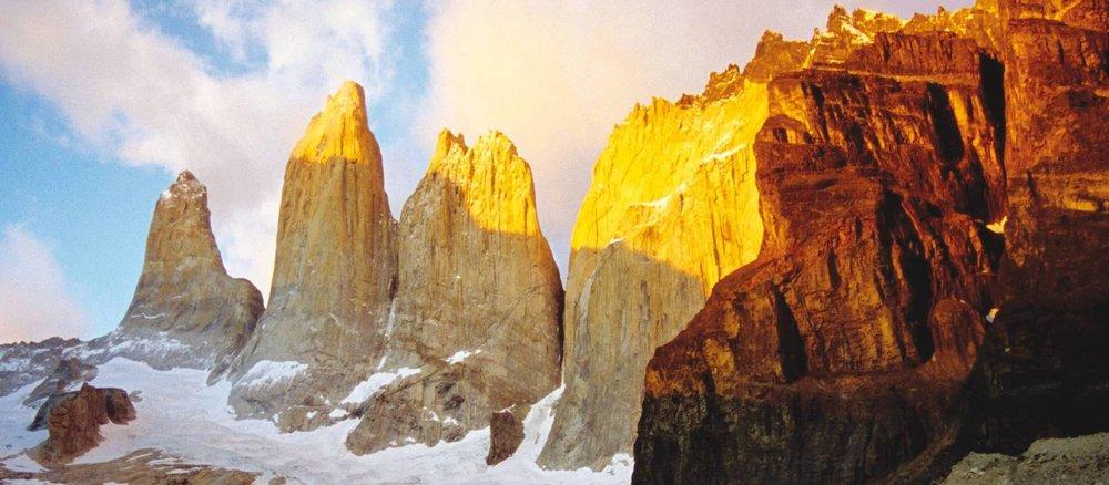 Torres-del-Paine-359817-1600px-16x7.jpg