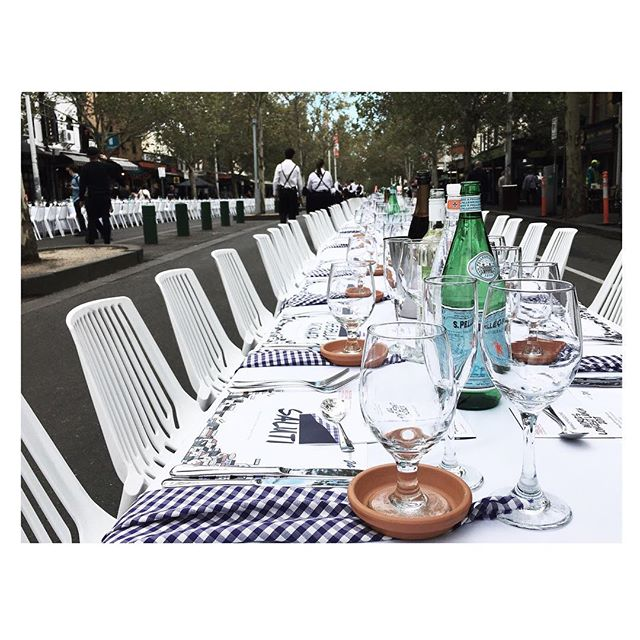 #placemaking Lygon Street take-over #🍝 Traffic has been stopped with Italian food and long tables taking it's place #saluti! 1700 guests as part of @melbfoodandwine World's Longest Lunch.