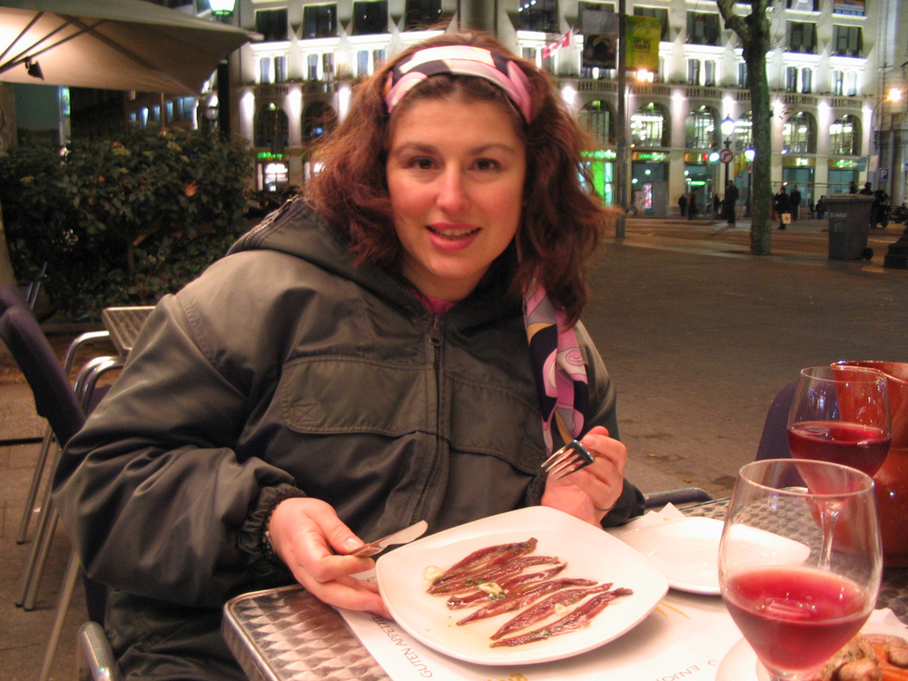 During the March 2005 business trip to Barcelona, I get ready to consume the day's third helping of anchovies.