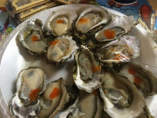 Fresh oysters at Shell Oyster Bar, Tallahassee, Florida