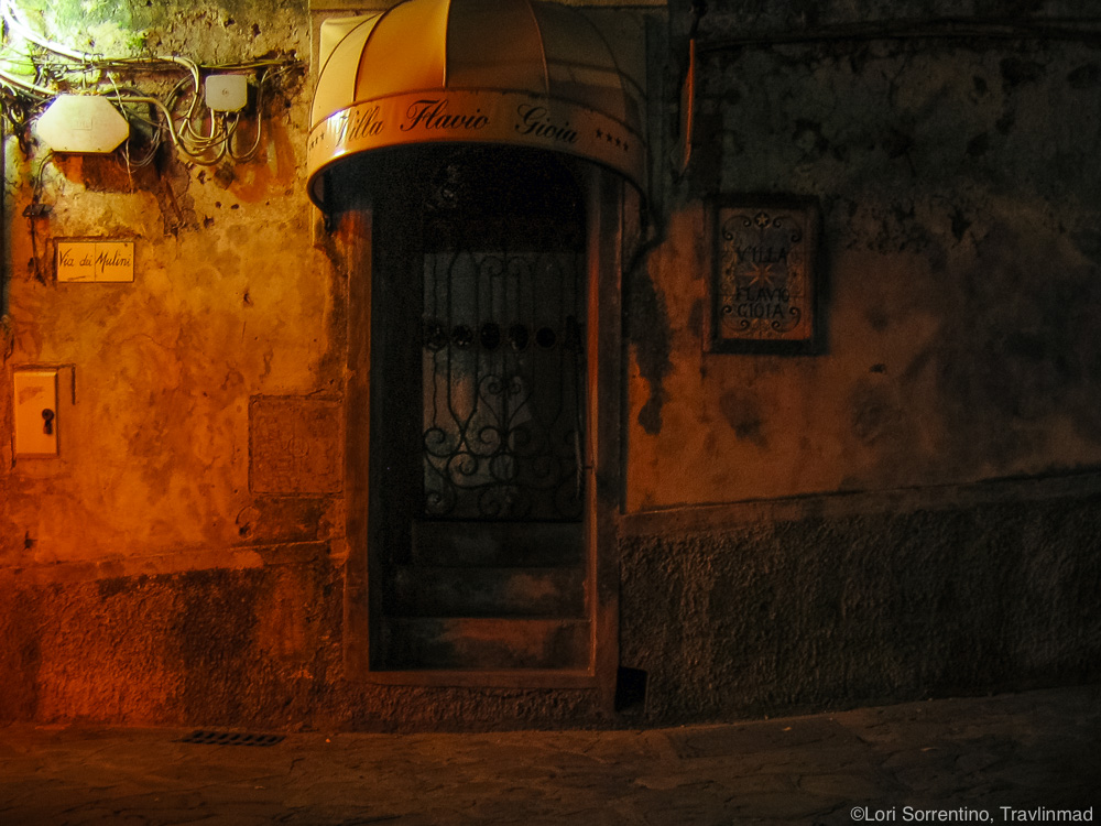 Night street in Positano