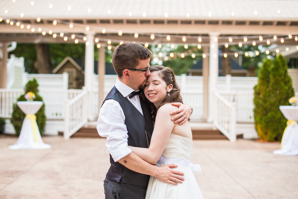 Charming sophisticated wedding | Asheville Wedding Photographers | Woven Strands Photography