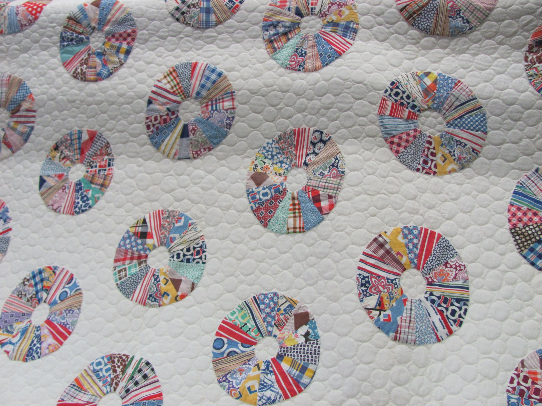 Wheel quilt, bubble quilting