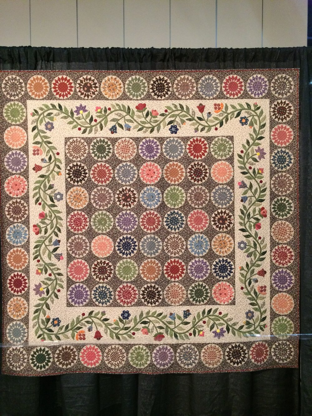 Sunflower Spirit  by Lauren Devantier, quilted by Norma Chapin