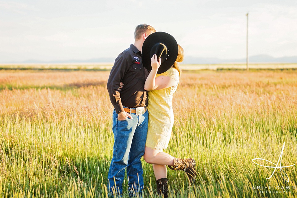 Cowgirl and Cowboy Montana Engagement Session| Great Falls, Montana | Ariel Dawn Photography | www.arieldawnphotography.com | Wedding Photographer