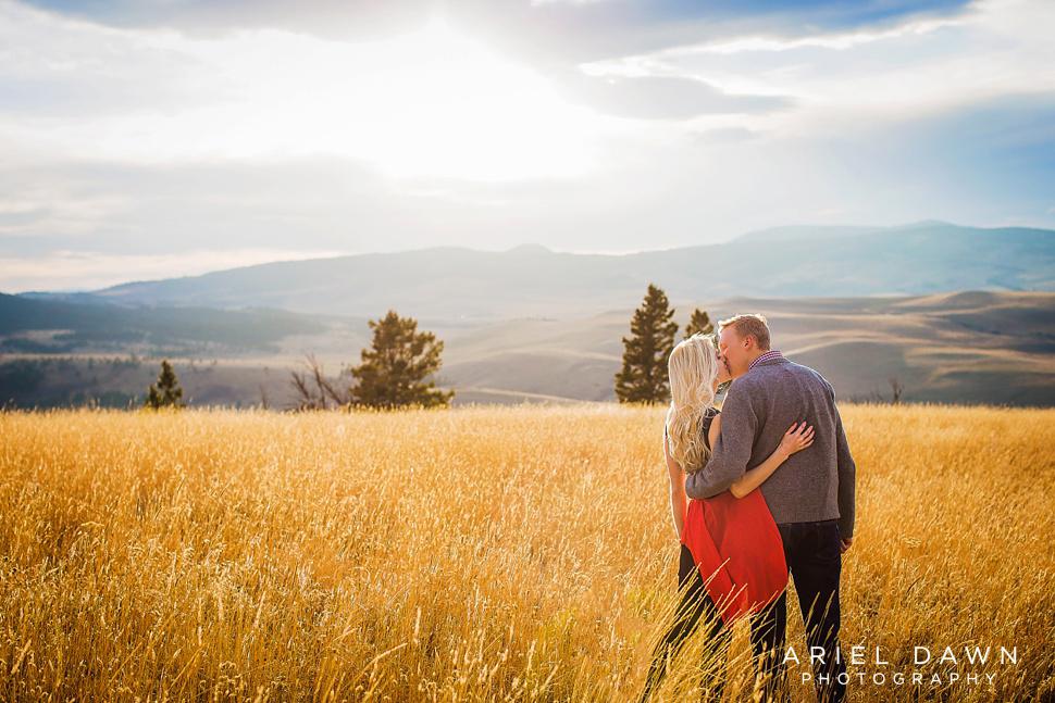 bend_Oregon_sunset_Engagement_session_34.jpg