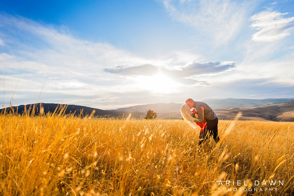 bend_Oregon_sunset_Engagement_session_38.jpg