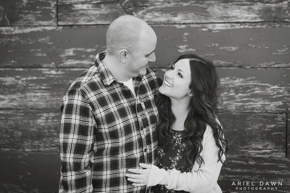 Engagement Photos bend oregon-1.jpg