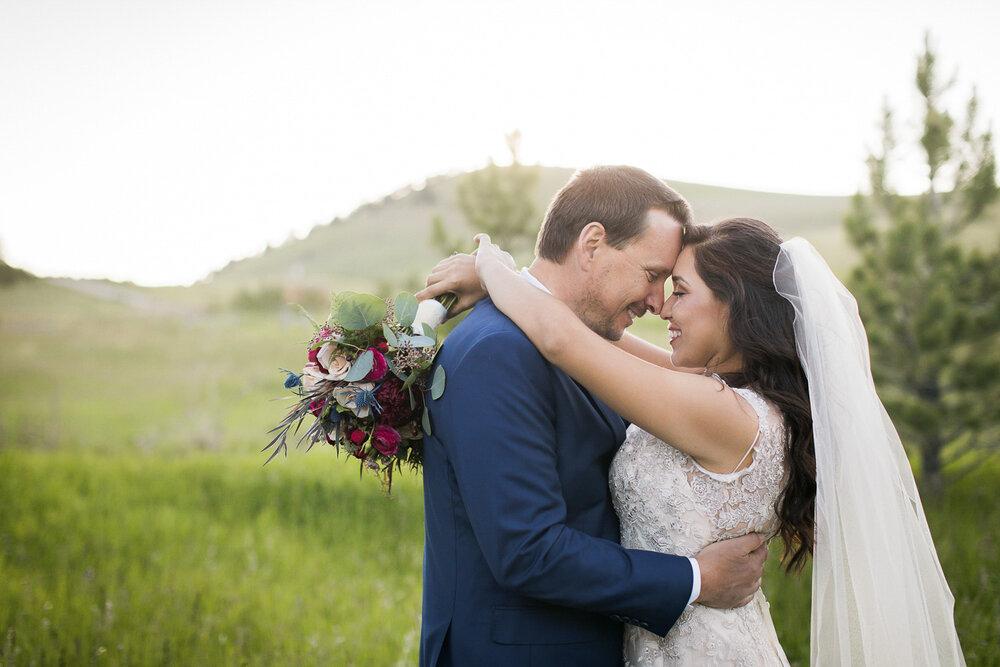 Central Oregon bride & groom