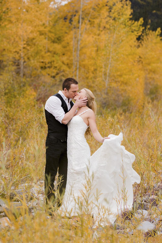 Wedding in a forest bend oregon.jpg