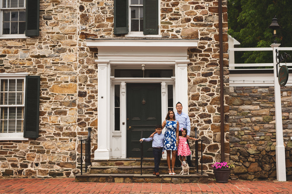 family-photography-downtown-leesburg-kate-montaner-photography (36).jpg