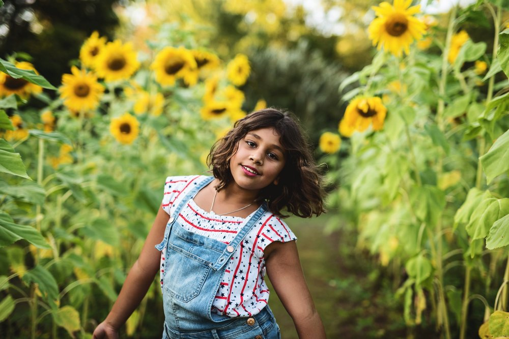 Summer Sunflower Fields Kate Montaner Photogrpahy Loudoun County Children's Photographer.jpg