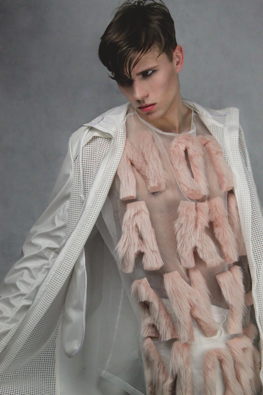 jacket  VINITI ANDREWS   top  HANNAH INSKIP   jeans  CMMN SWND