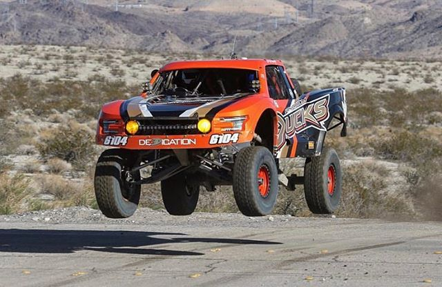 @tots.shots with some birds in the air. Thanks for the great weekend @offroadracinginc @drmaffei Eric turned it back up to 11 🤘🏼 #ratr