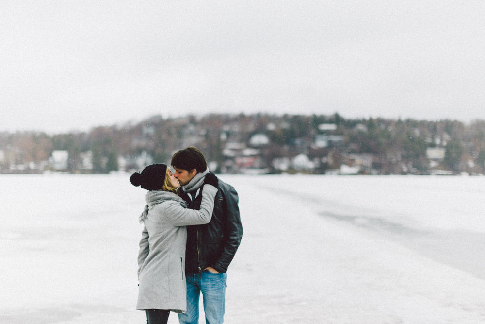 Noemie & Théo - Elopement on a Quebec ice lac