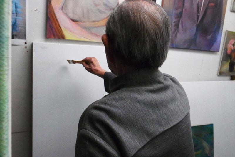 王老師示範手寫圓體(可惜來不及拍下影片)
