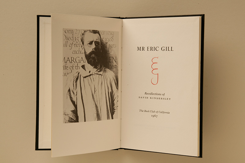 字體設計師也會使用 monogram,上圖右頁即為 Eric Gill 的字首組合