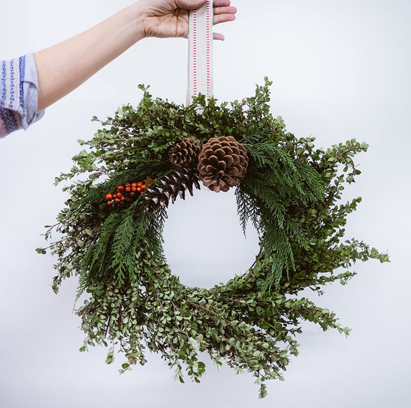 diy winter wreath workshop boxwood wreath diy wreath holiday