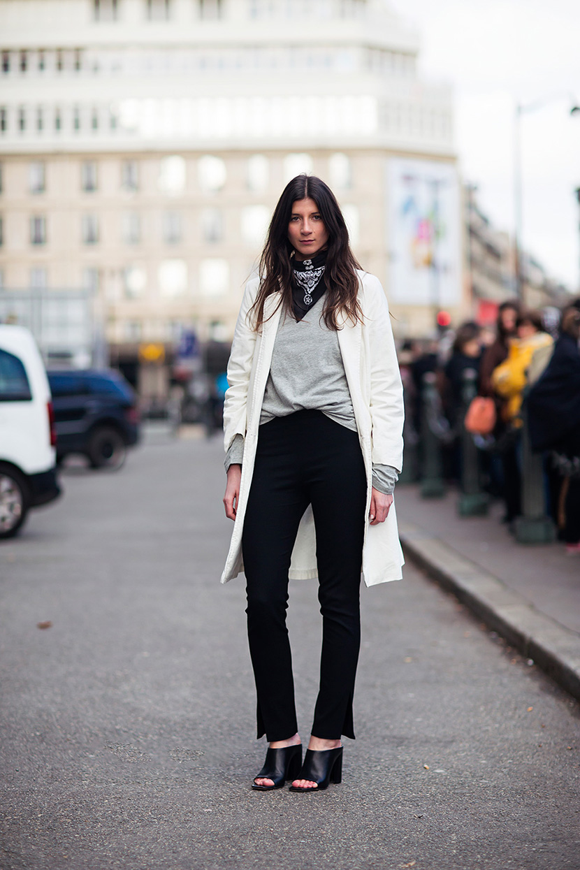 fall outfit inspiration bandana mules