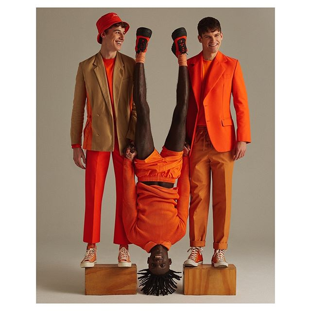 🍊🙃🍊Color! for @icon_elpais 🍊🙃🍊 Styling - @anamurillas  Makeup - @bo_champagne  Hair - @eliaspedrosa  Casting - @michelebisceglia_  Post - @franciscovargas  Production - @adrianasuarezproducer  #orange#malemodels#editorial#fashion#fun#happy#smile