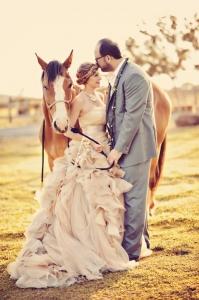 Animal-Farm-Maui-Wedding_Tamiz-Photography_107-576x865