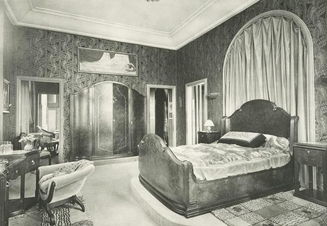 Bedchamber in La Maison d'Alsace