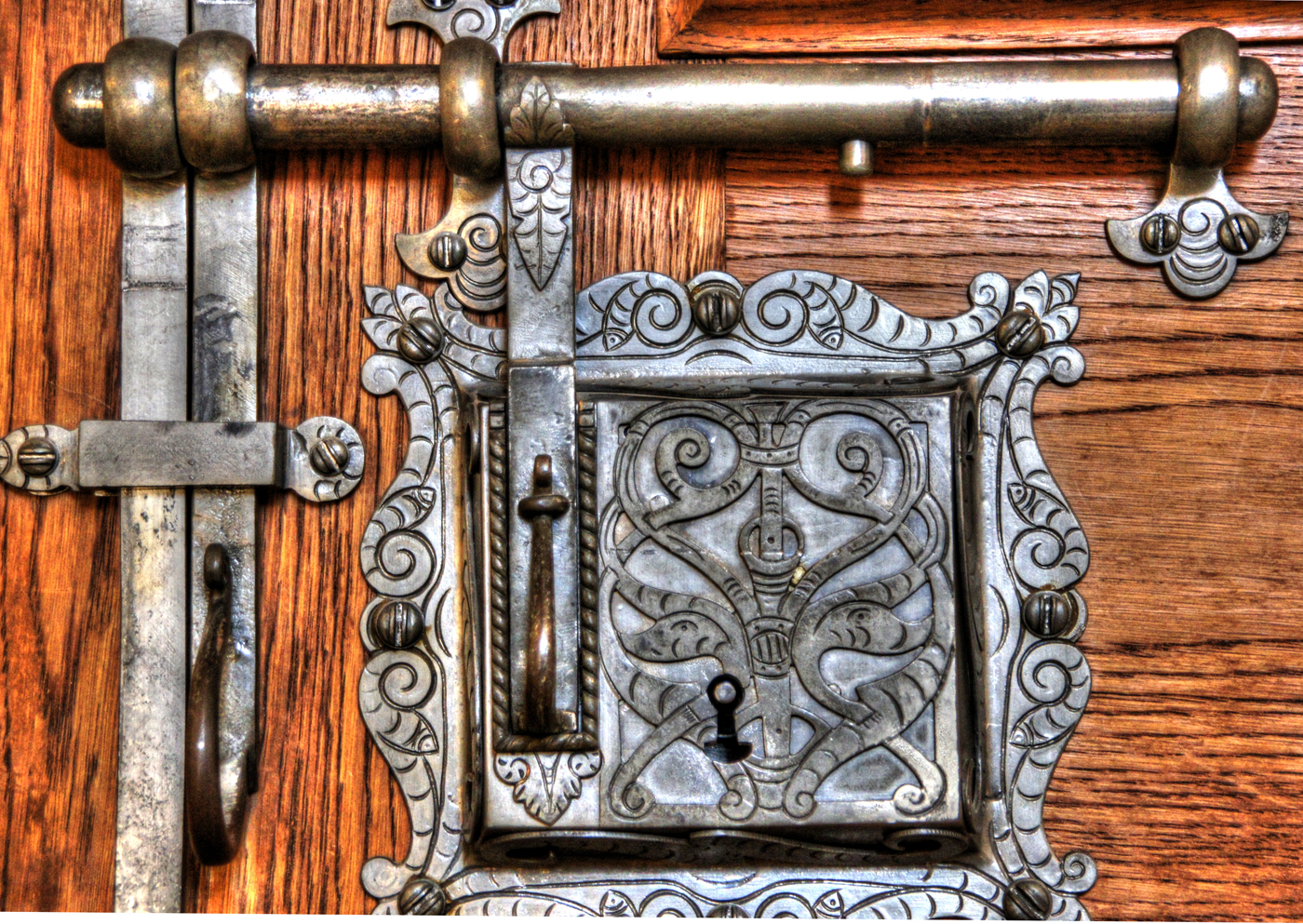 Golden Room door latch (photo by Heribert Pohl)