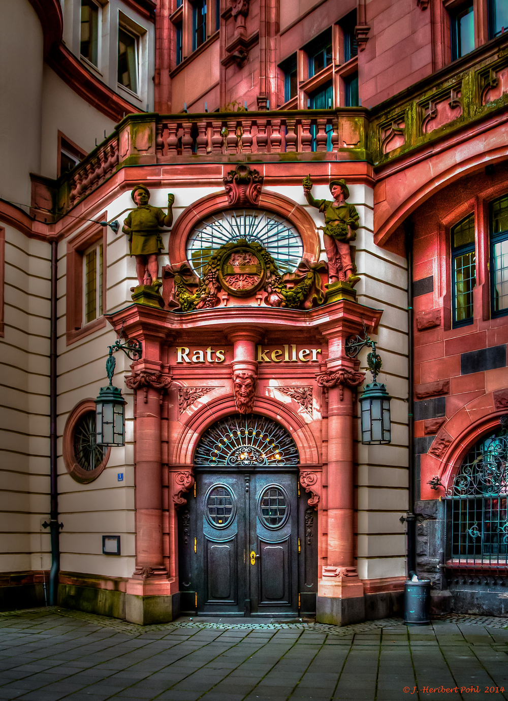 Ratskeller entrance door (photo by Heribert Pohl)
