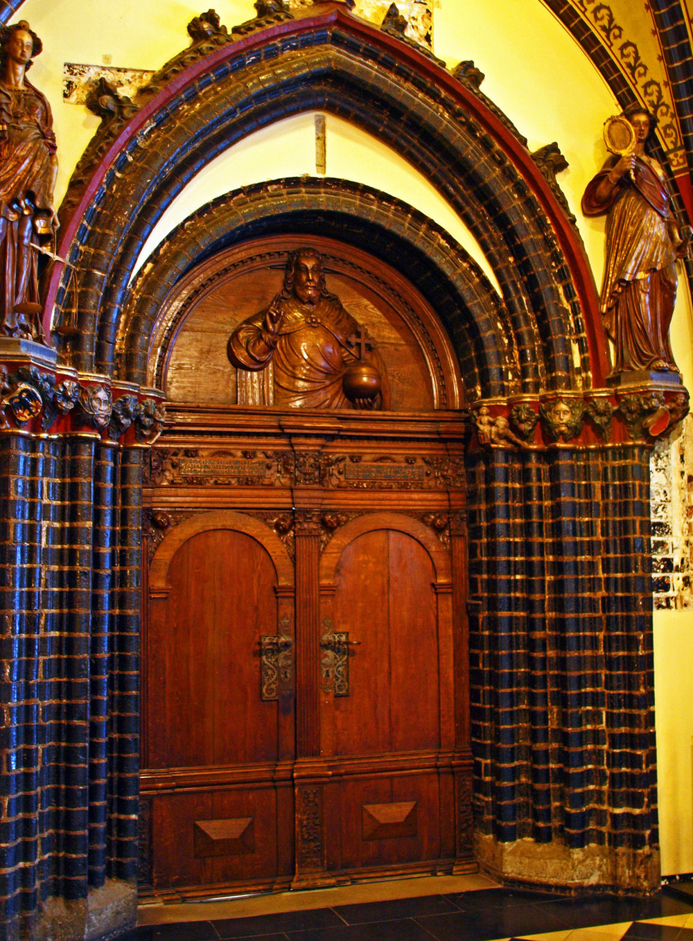 Audience Hall door, 1573 (photo by Andy von der Wurm)