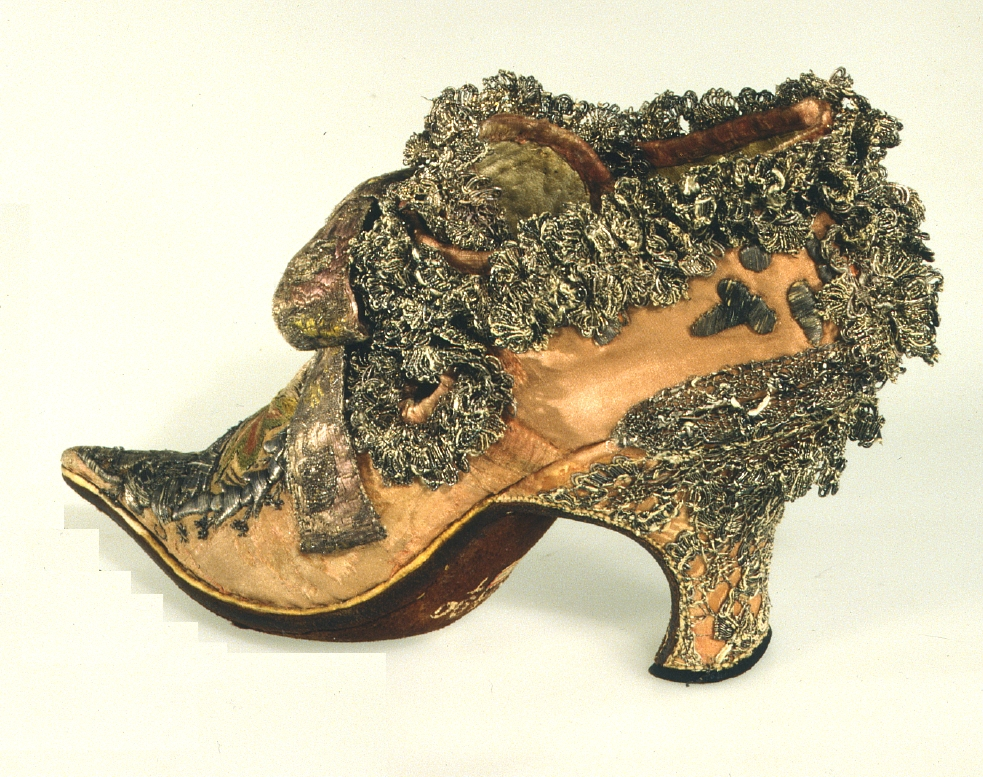 Man's dance shoe, Baroque era