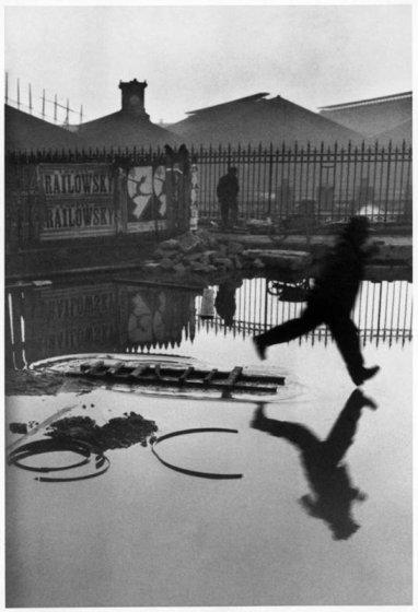 """Henri Cartier-Bresson, """"Place de l'Europe -- Gare Saint Lazare, 1932"""""""