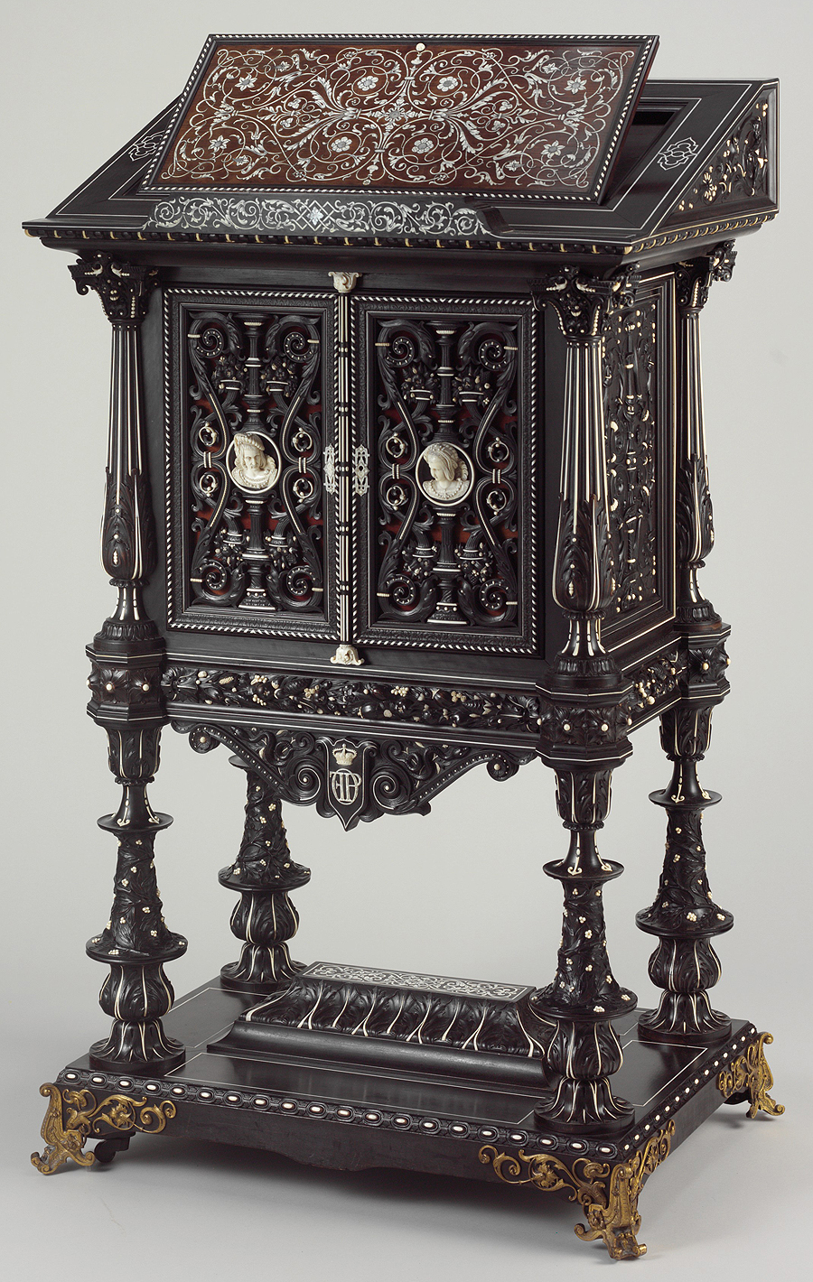 Bookstand, by Georges-Alphonse Jacob Desmalter, exhibited at the 1839 exposition  Luxury items still competed with technological inventions at the expositions of the July Monarchy.