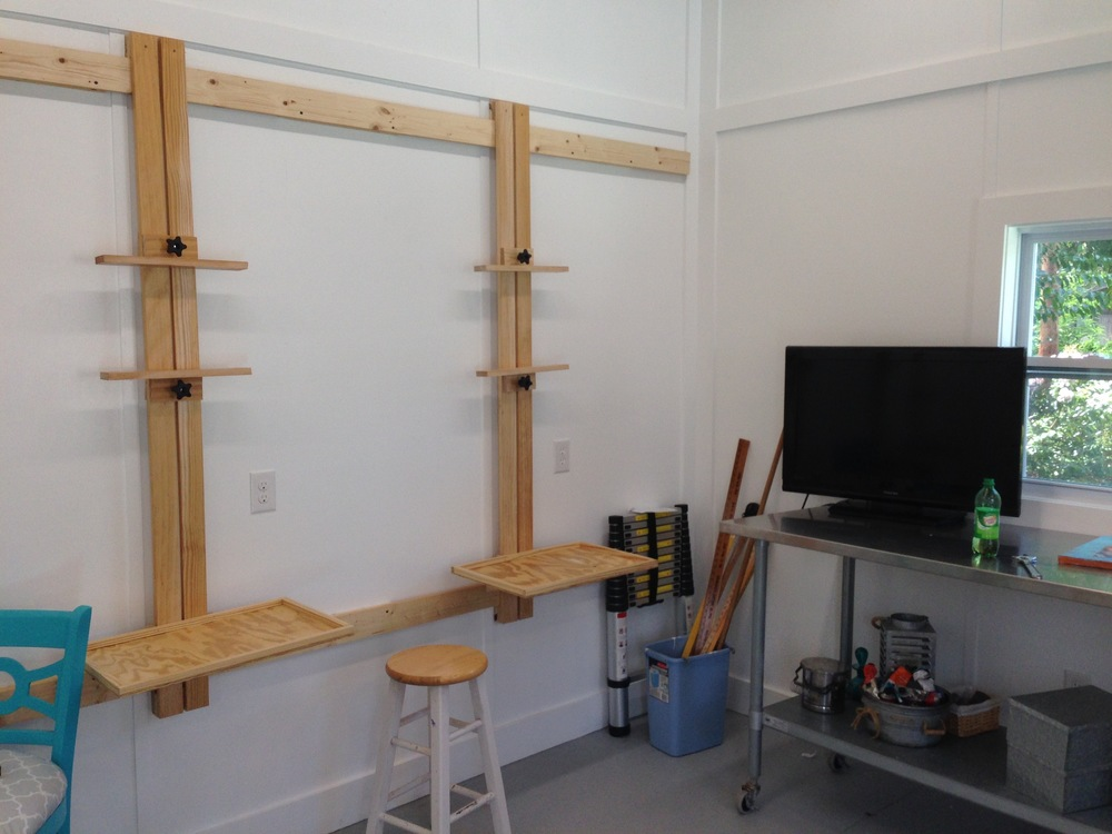 I have 4 wall easels in the studio. They are very user friendly