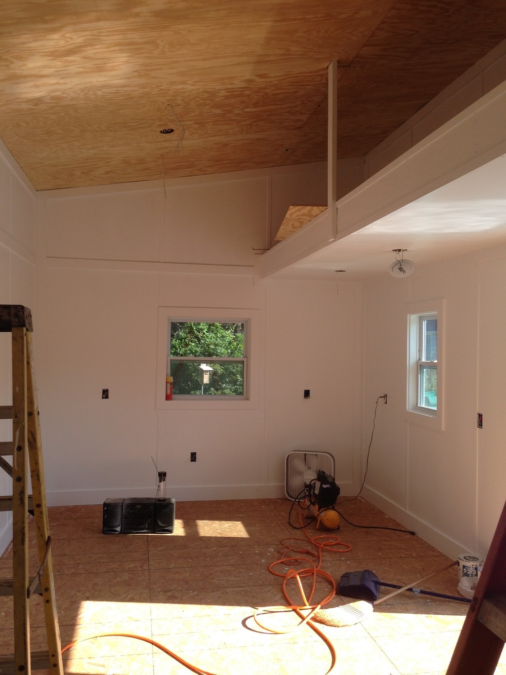 Varnish on the Ceiling and Walls painted!